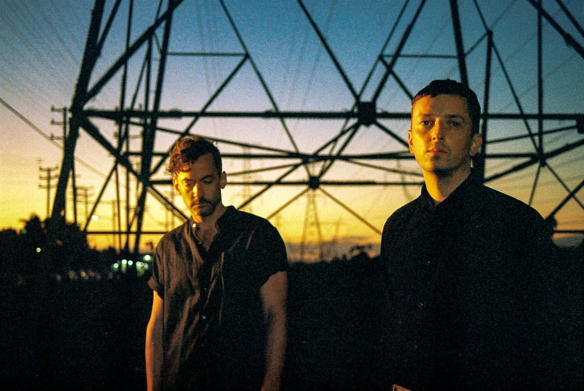 """Bonobo Launches Label OUTLIER With Single Alongside Totally Enormous Extinct Dinosaurs """"Heartbreak"""""""