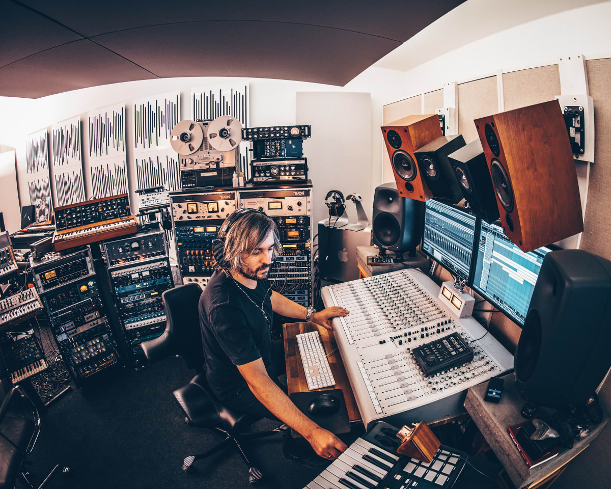Hannes Bieger's 5 Tips For Better Mixdowns