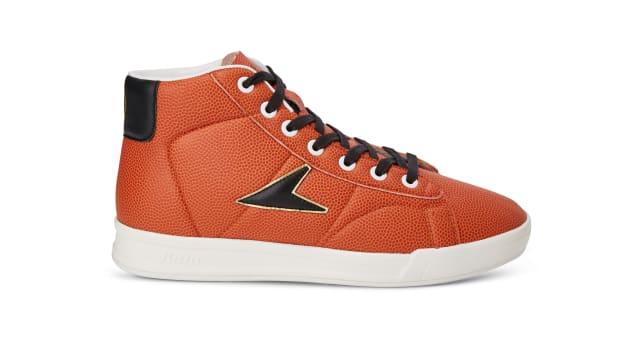 Basketball_leather_black_gold_261