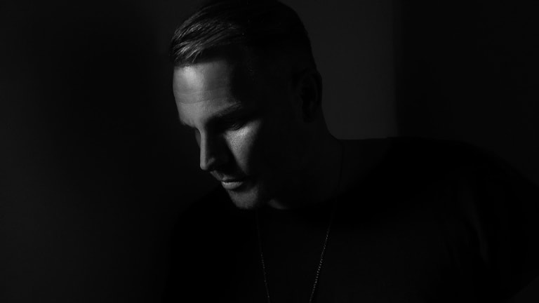 Mark Knight Puts the Spotlight Back on the Extended Set