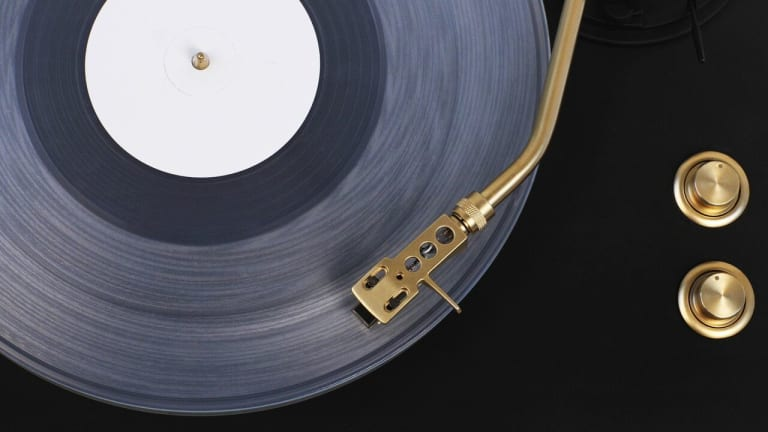 VNYL Unveils the World's First Wireless Turntable