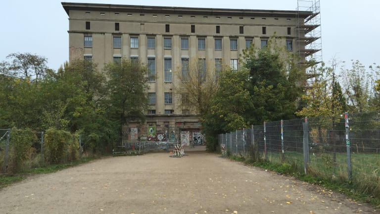 Test Your Luck Getting Into Berghain by Using a Virtual Reality Simulator