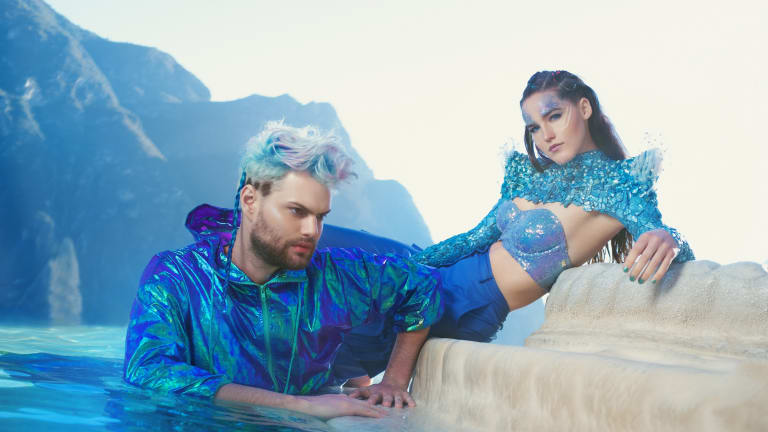 Interview: SOFI TUKKER Talks New EP DANCING ON THE PEOPLE, Brown University, Spirituality & More