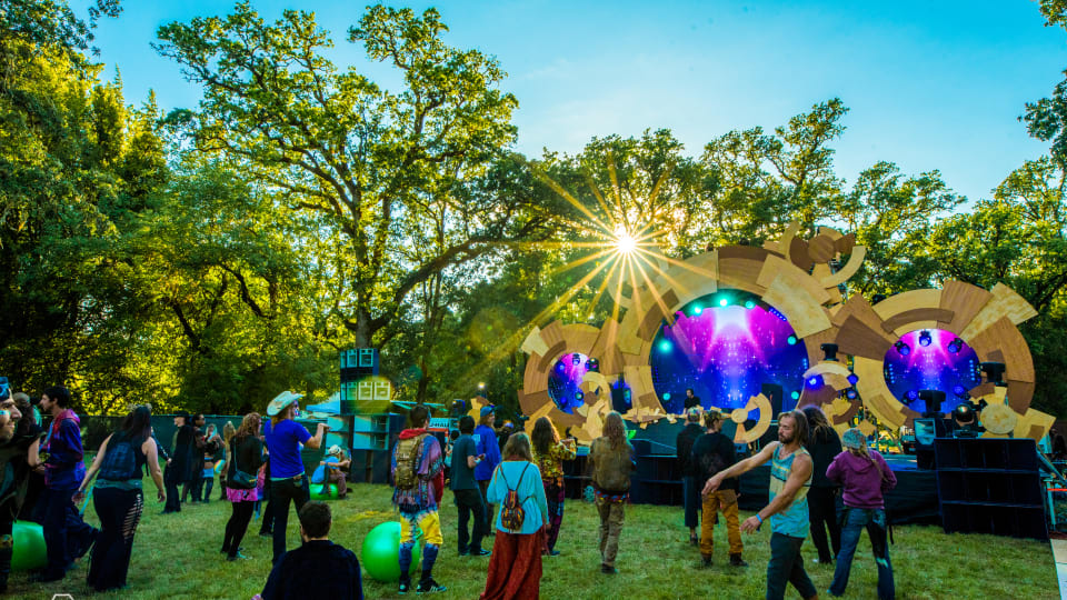 5 Ways DJs Can Minimize Their Impact On The Environment