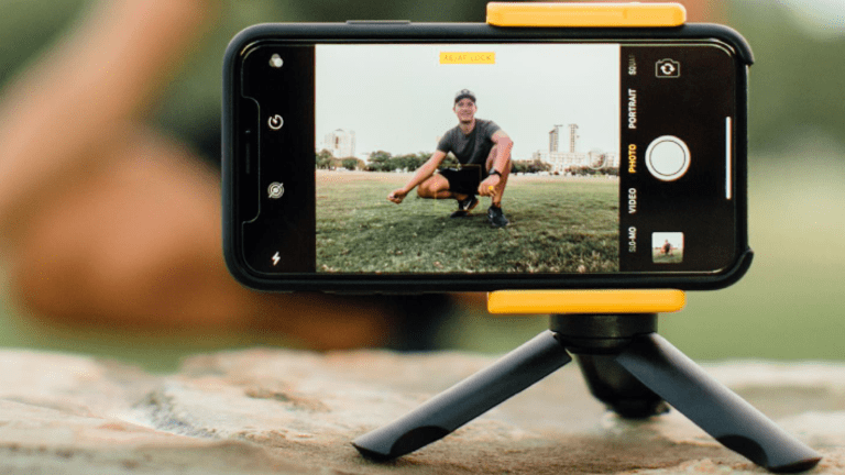 Take Your Phone Photography To The Next Level With Adonit's PhotoGrip