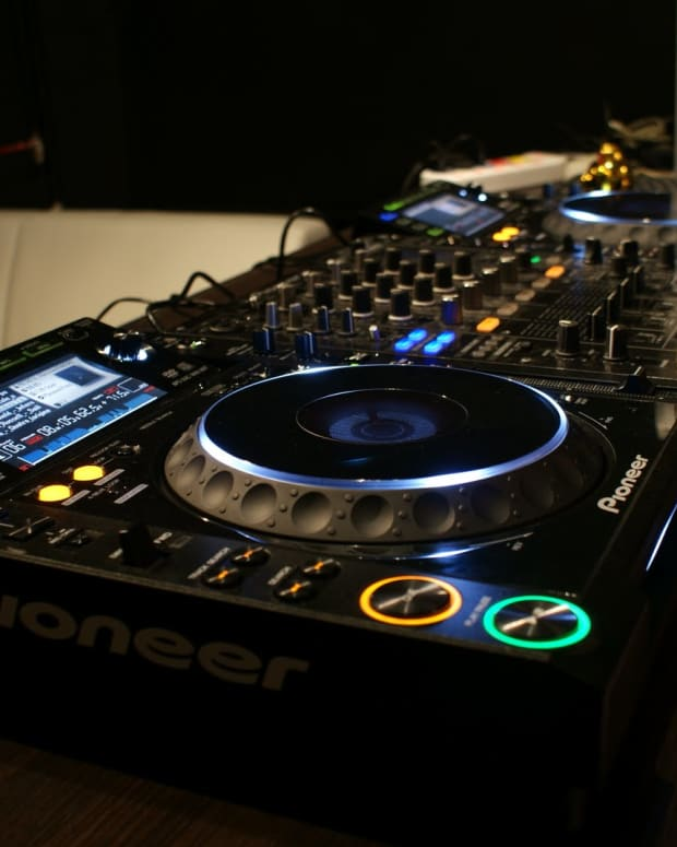CDJ 2000 (photo by Hubert Bartkowiak)
