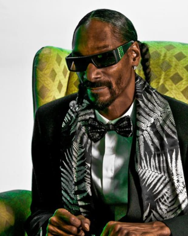 Snoop_Dogg_by_Bob_Bekian_2.jpg