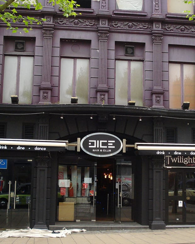 Dice Bar & Club (photo via flickr)