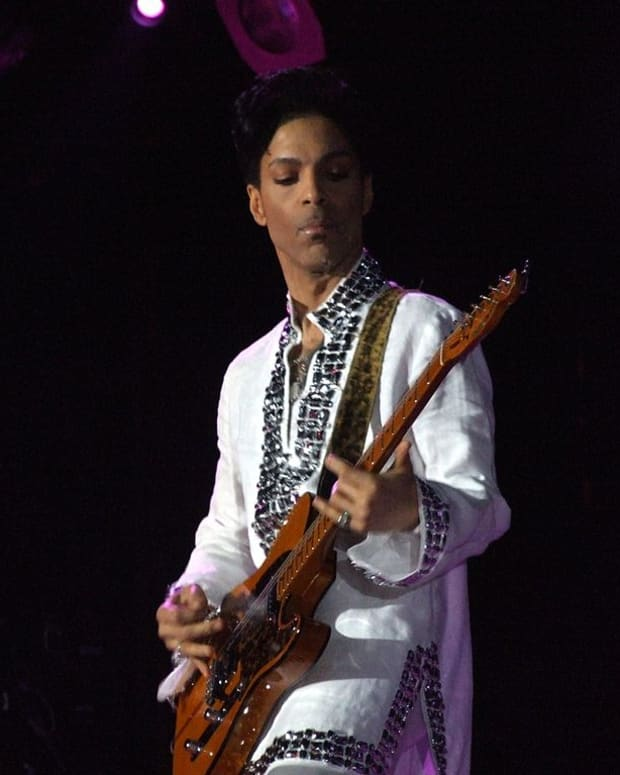 1024px-Prince_at_Coachella.jpg