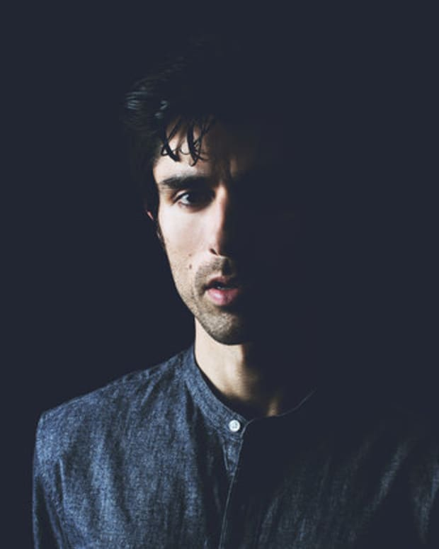 KSHMR-press-photo-blue-2016-billboard-650-1548.jpg