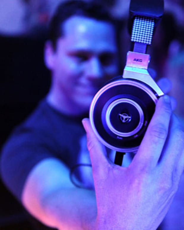 tiesto.headphones