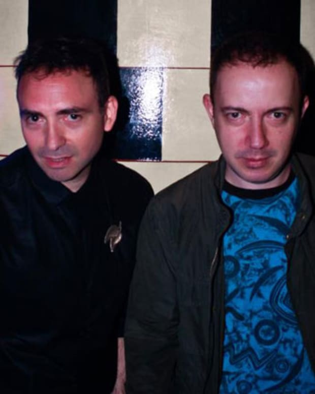 "Free Download: DJs Pareja ""De la Cabeza"" via Cómeme"