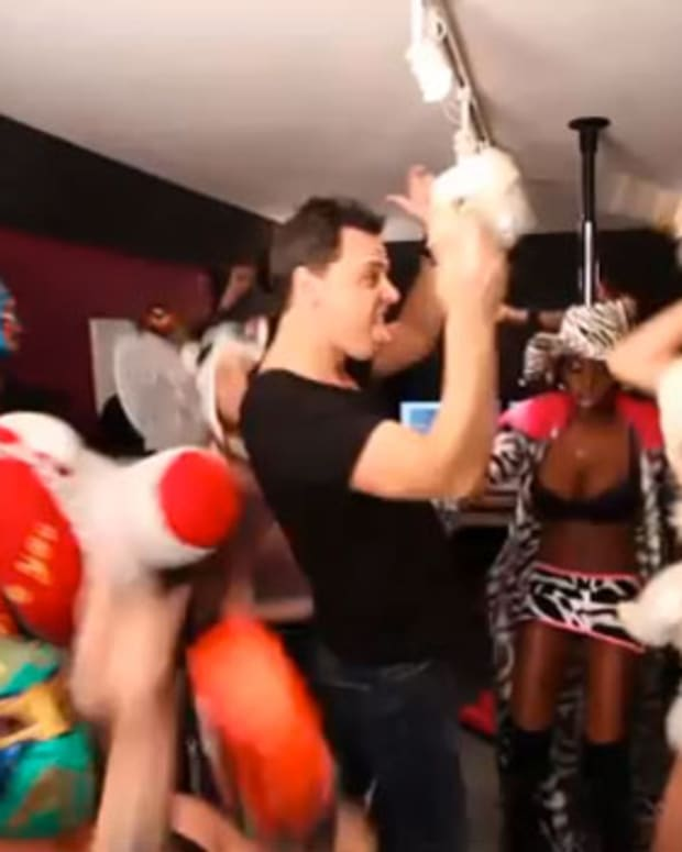 Watch: Harlem Shake—Markus Schulz Edition