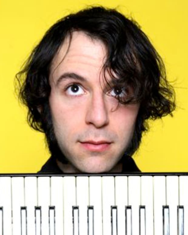 "EDM News: Daedelus' Cribs-Like Tour Of His Studio ""The Pow-Wow Fun Room"""
