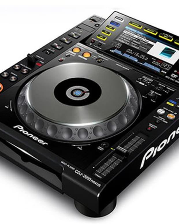 EDM News: Pioneer CDJ 2000 X Serato Scratch Live; Enough Said