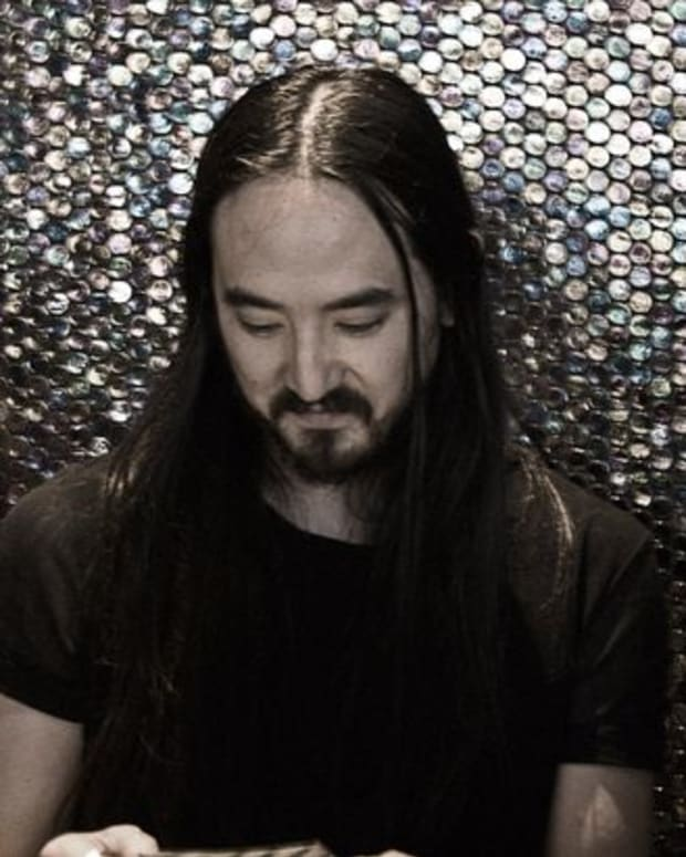 "EDM News: New Electronic Music From Steve Aoki and Travis Barker- The ""Push 'Em"" Remix (Originally By Travis Barker And Yelawolf)"