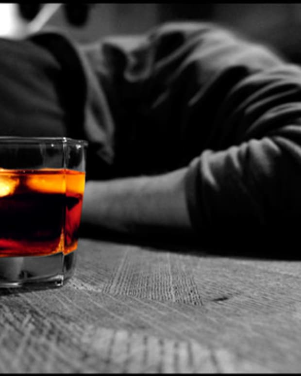 Say 'Bye-Bye' To Hangovers? UK Scientist Developing Alcohol Substitute - EDM Culture
