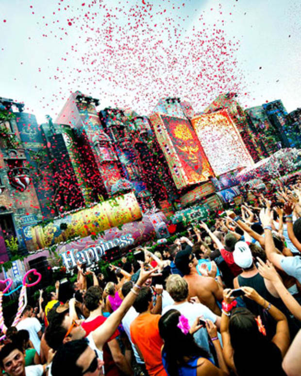 Tomorrowland Expands To Two Weekends In 2014 - EDM News