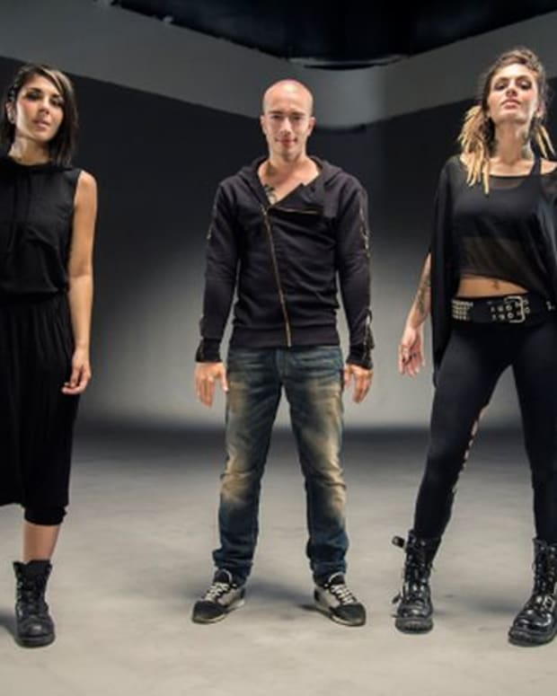 Headhunterz + Krewella Are For The Children! - New Electronic MusicHeadhunterz + Krewella Are For The Children! - New Electronic Music