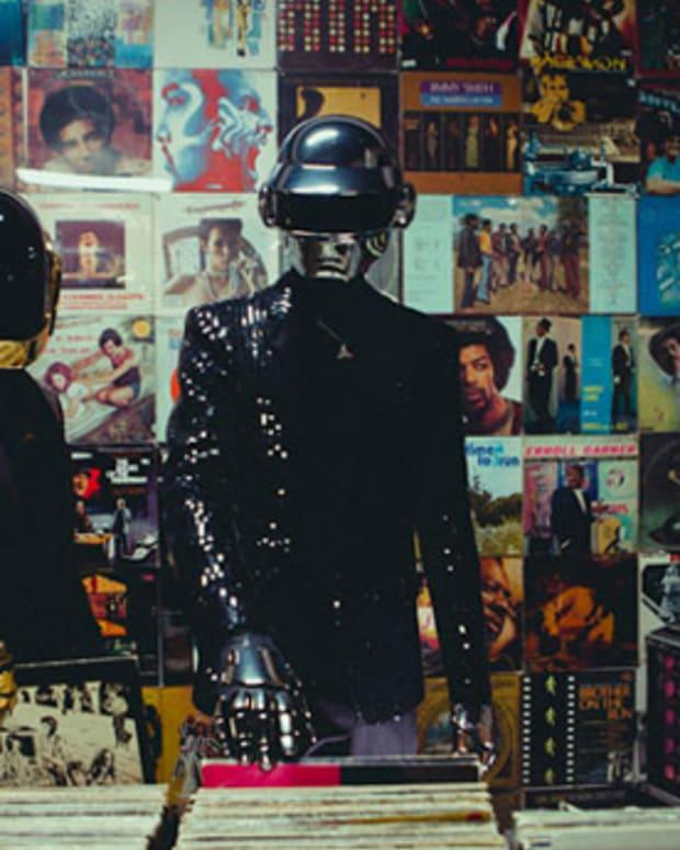 Nielsen & Billboard Report Music Streaming Up 32%; Vinyl Sales Up 33% - EDM News