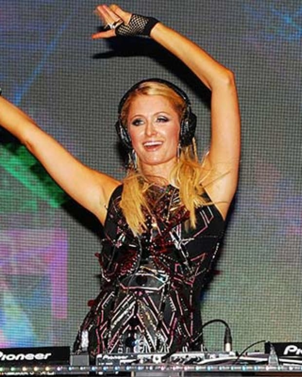 EDM Struggles: Paris Hilton To 'DJ' In Washington DC On May 9th