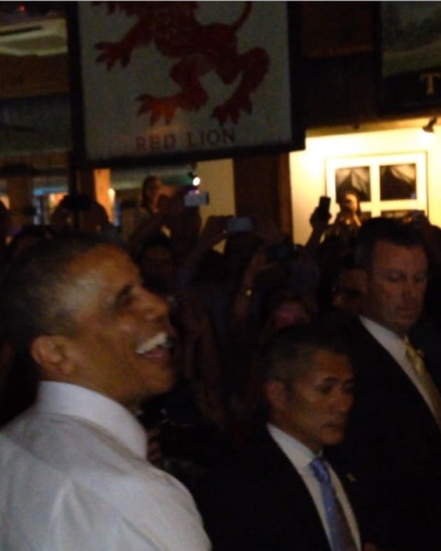Denver Bro Offers Obama A Hit Of Weed And Nothing Amazing Happens