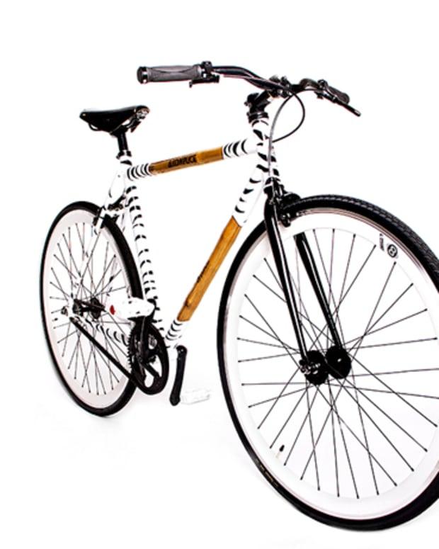 "Style: Panda X Akomplice ""The One"" Fixed Gear Bike"