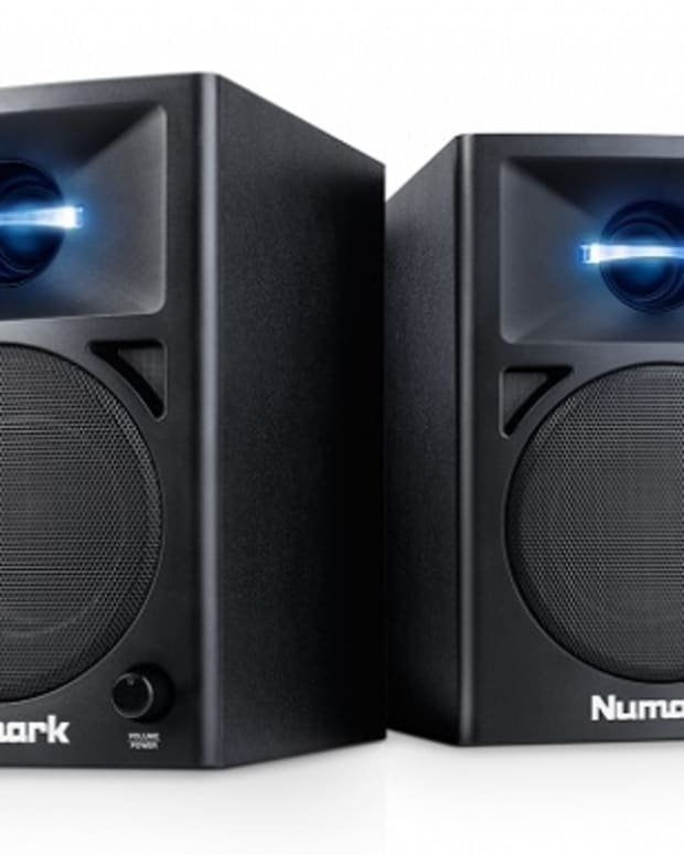 Numark Triple Release: Headphones, Controller, Speakers