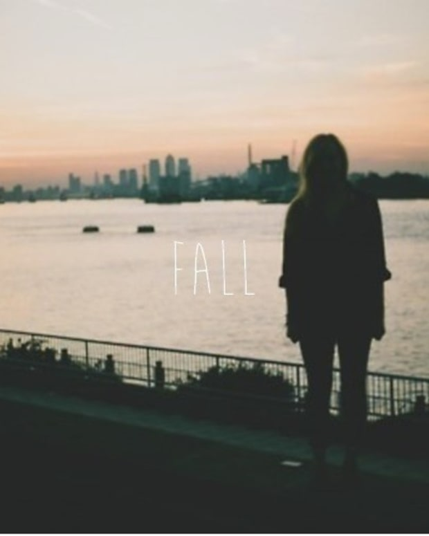 Fake Static Noise - Fall (Feat. Laurie Webb) (Skyvoice Remix)