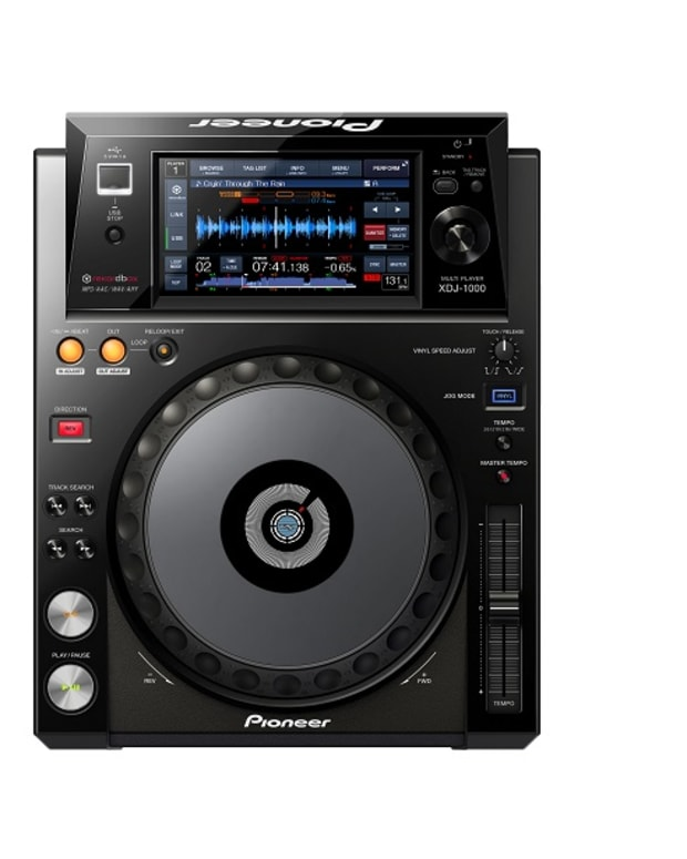 Pioneer just announced their new XDJ-1000 controller, this thing's armed to the teeth!... deets below.