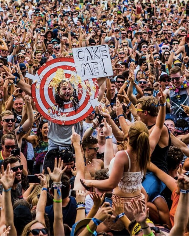 Steve Aoki Cuts The Cake, Creates Commemorative Track (Free Download)