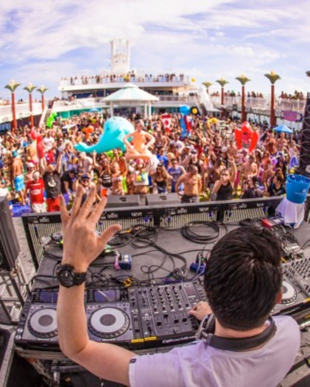 Great Moments From The Groove Cruise Miami 2015
