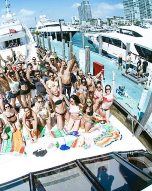 Miami Beach Party Tabs Aoki Group, Benny Benassi
