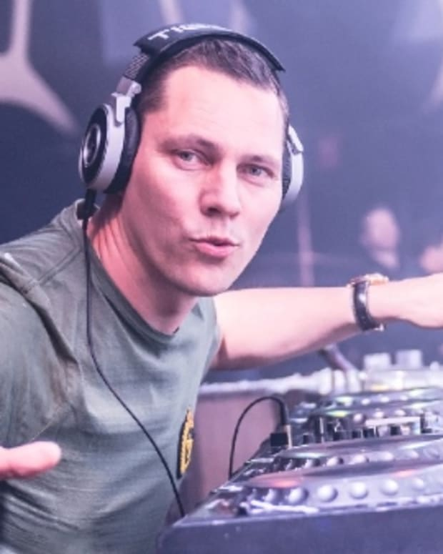 Tiesto Crashes Boat In Miami