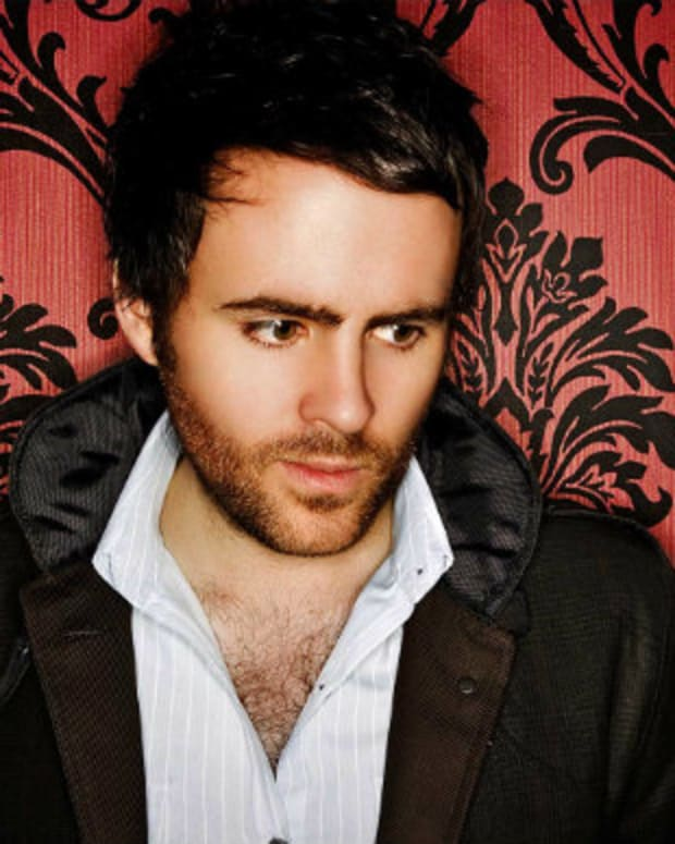 Gareth Emery Sent The Strangest Tweet Of 2015 Last Night