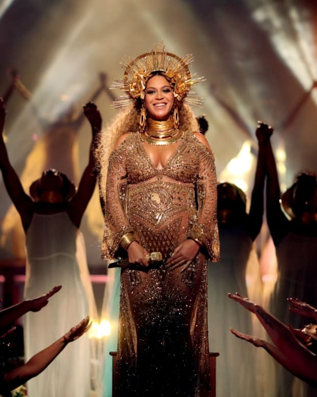 beyonce-pregnancy-twins-grammys-2017-shining-dj-khaled