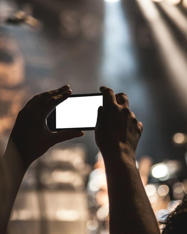smart phone at nightclub