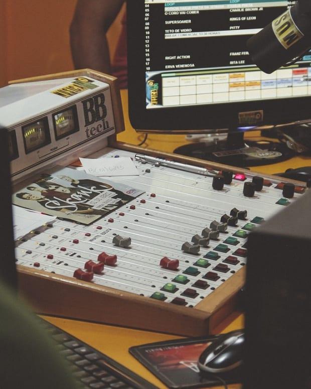 soundboard-1209885_1280