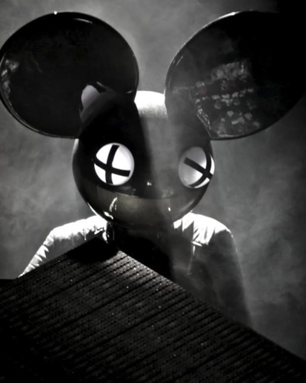 deadmau5 mau5head black and white
