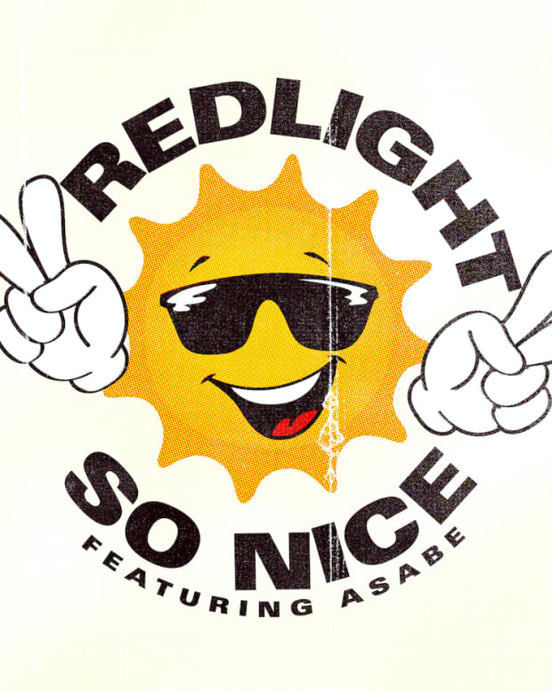 REDLIGHT-SO-NICE-01