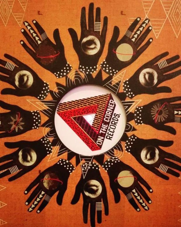 Versus_II_Vinyl_mockup