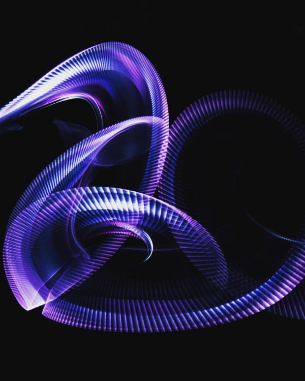 swirling-purple-light-streaks