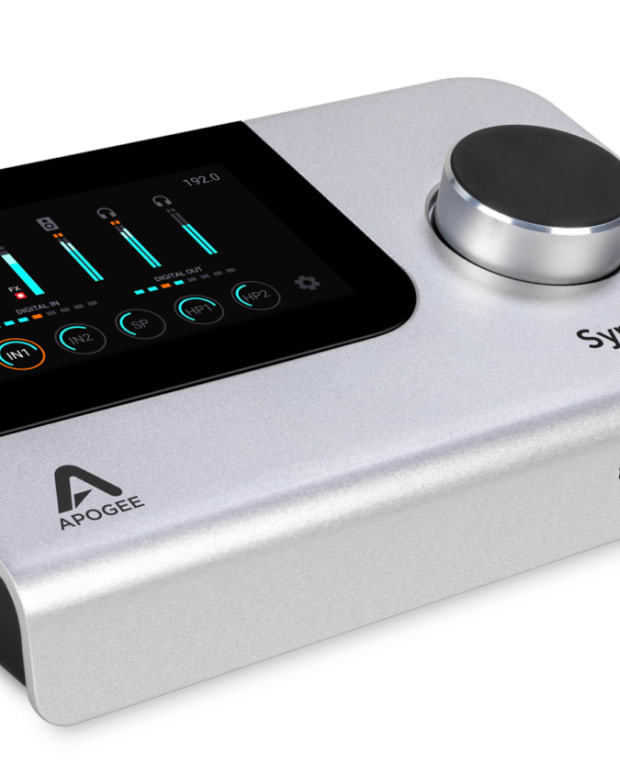 Apogee-Symphony-Desktop-34-Right-9Y1A0138-1920-1500x844