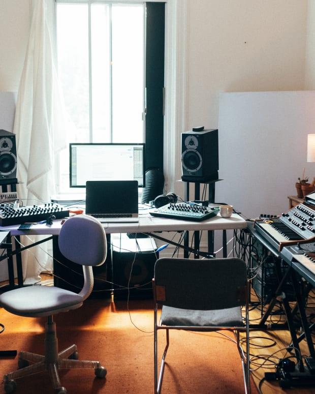 CRi Studio Synths