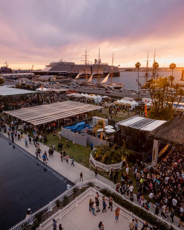 CRSSD 2020 Festival Crowd