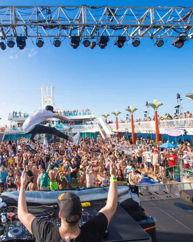 Groove Cruise 2016 (photo by miguel lizarraga @veranmiky)