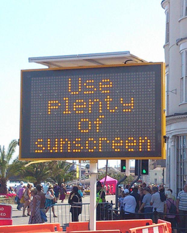 """""""Use plenty of sunscreen"""" (CC BY 2.0) by  alexliivet"""