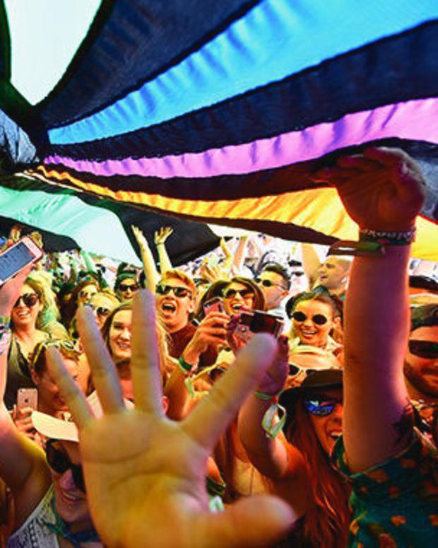 coachella-crowd.jpg