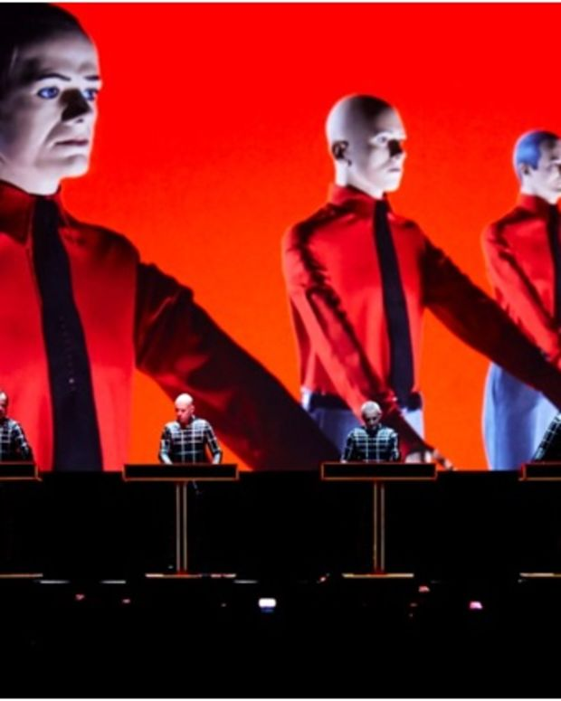 Kraftwerk (photo by Peter Boettcher)