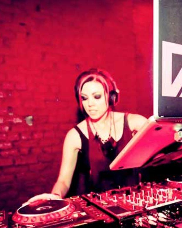 "Watch: Dani Deahl ""Pocket Porn"" Official Video—Plus Free Download"